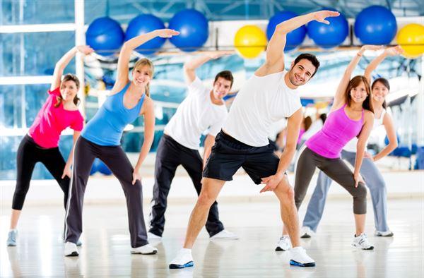 Bạn cần tập luyện đúng cách để tránh bị đau tức ngực giữa do căng cơ thành ngực